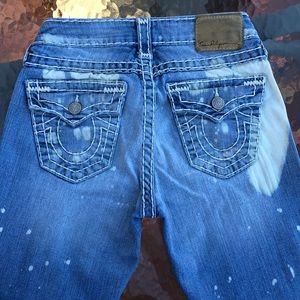 True Religion Jeans - 🔥S A L E🔥🎉HP🎉TRUE RELIGION DISTRESSED JEANS